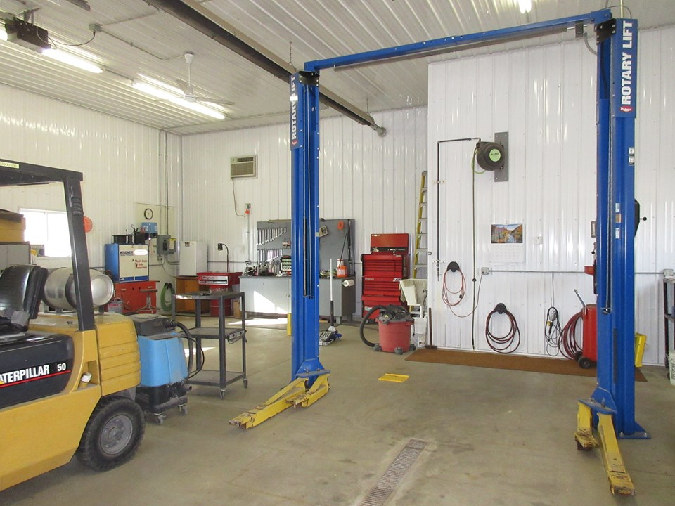 hoist and air compressor stay